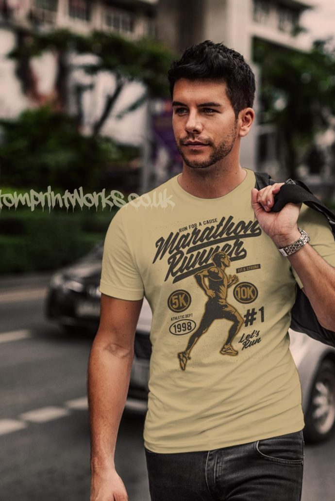 marathon runner t-shirt in beige with gold