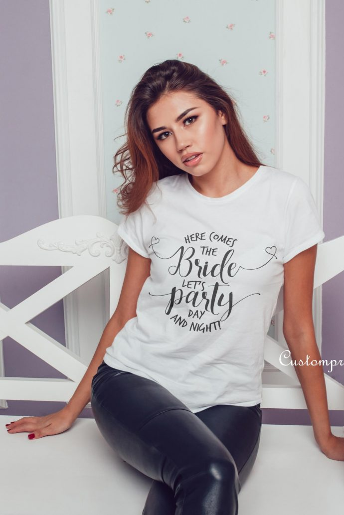 here comes the bride script text t-shirt